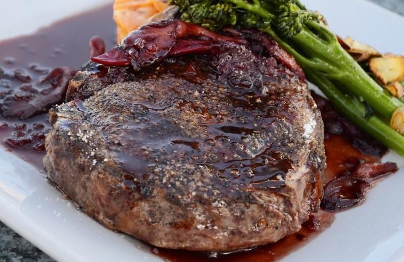 熟成肉のステーキ