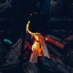 秋キャンプは焚き火が醍醐味